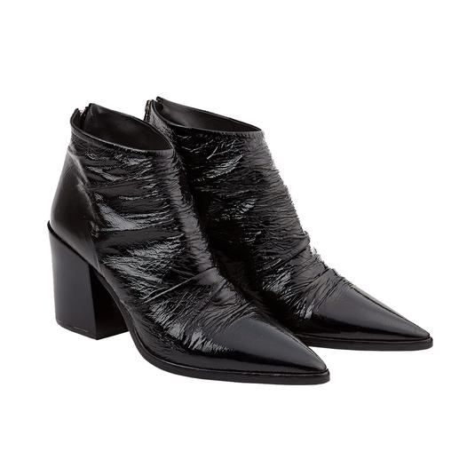 Ducanero Patent Ankle Boots The popular ankle boots – with an exceptionally chic and elegant look. By Ducanero.