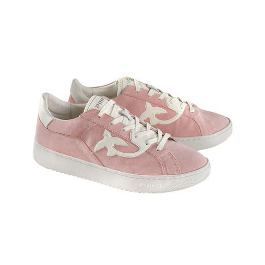 The feminine version of fashionable retro sneakers. By Pinko, Italy. Narrow last. Higher sole. Fine suede. In three trend colours. By Pinko, Italy.
