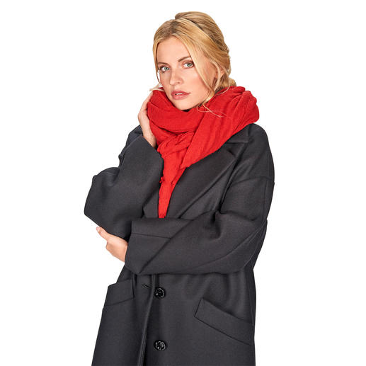 Pin 1876 Cashmere Scarf Italian wool tradition since 1876: The scarf made of ultra-soft cashmere jersey. From Pin 1876, Botto Giuseppe.