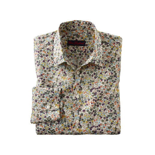 Floral patterned gentleman's shirt: A huge trend – yet at Liberty™ a tradition for more than 140 years. Floral patterned gentleman's shirt: A huge trend – yet at Liberty™ a tradition for more than 140 years.