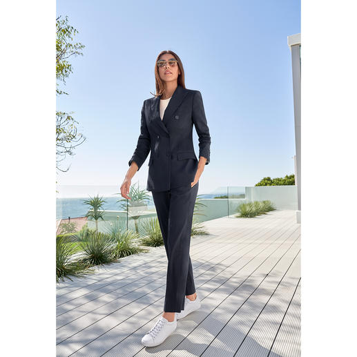 Seventy Blue Suit Trousers or Blazer Stylish makeover for the classic dark blue trouser suit. By Seventy, Italy.