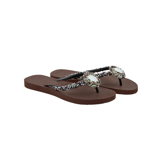 Uzurii Deluxe Toe Post Sandals, Brown Initially just simple beach foot­wear – now acclaimed fashion stars.