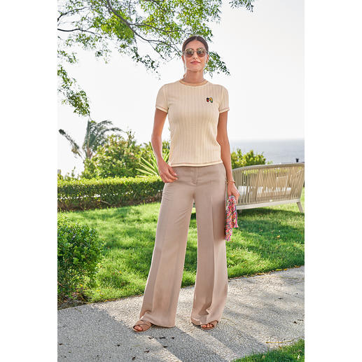 TWINSET linen mix pants The wide-leg pants made of an airy viscose-linen mix. By TWINSET.