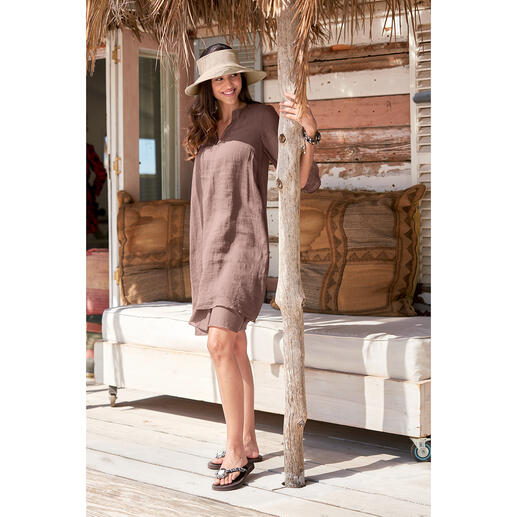 European Culture Layering-Dress Light, airy batiste. Loosely draping tunic shape. Fashionable layer look.