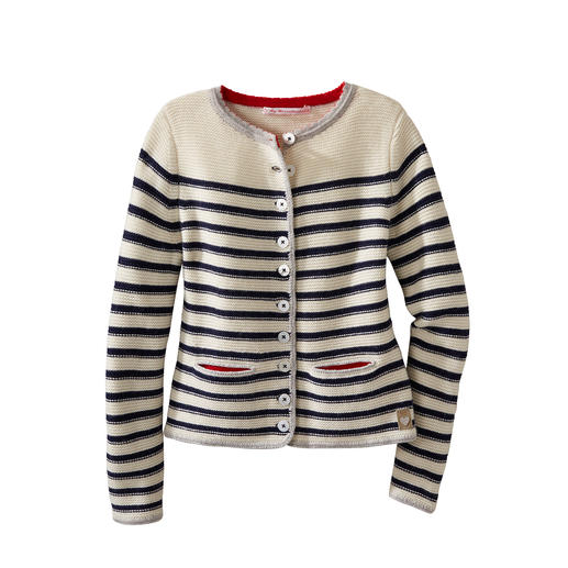 My Herzallerliebst turns the country style jacket into a nautical fashion highlight. My Herzallerliebst turns the country style jacket into a nautical fashion highlight.