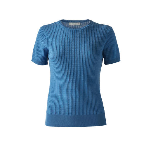 Funktion Schnitt Knitted Top The best basics last longer: Knitted top made of rare mako cotton. By Funktion Schnitt, Cologne.
