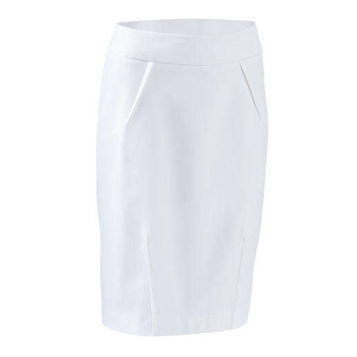 Always right. Timeless. And yet fashionably up-to-date. Always right. Timeless. And yet fashionably up-to-date. The uncomplicated basic summer skirt by Seductive.