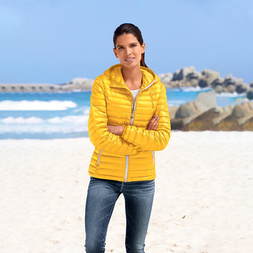 Summer Down Jacket For Women - Super light. Yet still soft and warm. The down jacket for summer.