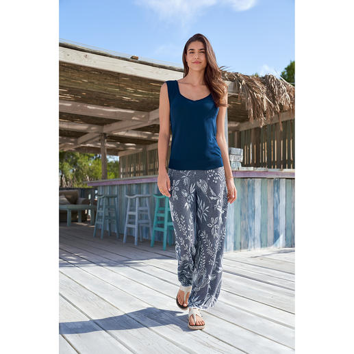Ivko Jacquard Knit Trousers or Fine Knit Top Light summer knitwear for a fashionable all-over look. By Ivko.