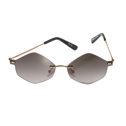 Extravagant trend in sunglasses: Hexagonal lenses. Mr. Boho offers a clean and elegant style amongst trendy glasses. Extravagant trend in sunglasses: Hexagonal lenses. From Mr. Boho.