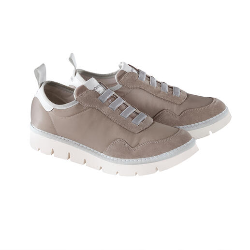 Ultralight sneakers made in Italy. Top quality. Trendy sole tread. Current shades. Ultralight sneakers made in Italy. Top quality. Trendy sole tread. Current shades. By Pànchic.