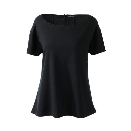 A jersey outfit for everyday wear or elegant leisurewear? Both! Chic black. Soft jersey. Clean, casual cut. With matching cross-body bag. By [schi]ess.
