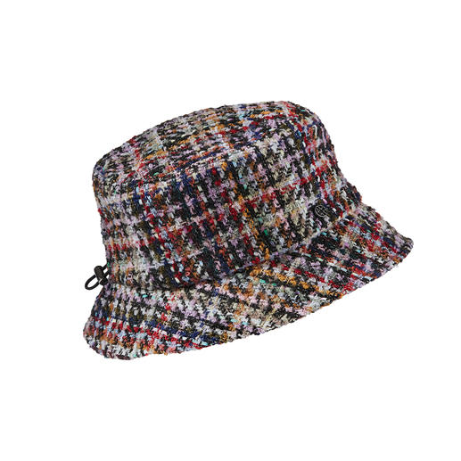 Loevenich Bouclé Fishing Hat The classic fishing hat is back: Softer, warmer and much more colourful. By Loevenich.
