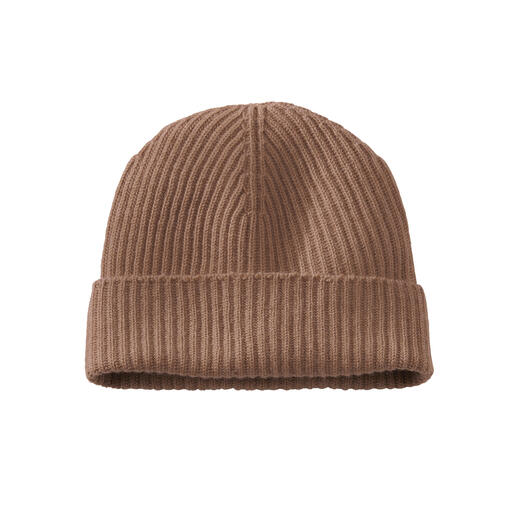 The traditional fisherman's cap – now in finest cashmere. The traditional fisherman's cap – now in finest cashmere.