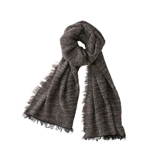 Hohenberger bouclé men's scarf Soft and warming like other fashionable bouclé scarves. But much lighter.