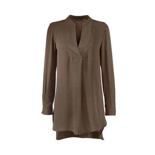 Janice & Jo Tunic As sophisticated as a silk blouse – but just as uncomplicated as a top: Tunic by Janice & Jo.