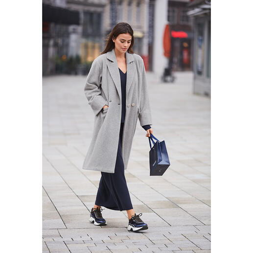 Pluto Fleece coat Fleece is rarely this elegant and fashionable. Uncomplicated coat by Pluto/Belgium, since 1976.