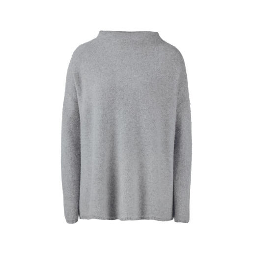 Boiled Cashmere Turtleneck How does exquisite cashmere become even softer, even warmer? Simply add hot water.