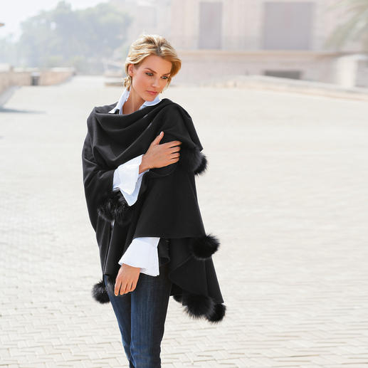 Opera Cape - Elegantly embellished. Perfect for a gala outfit and very fashionable with a pair of casual jeans.
