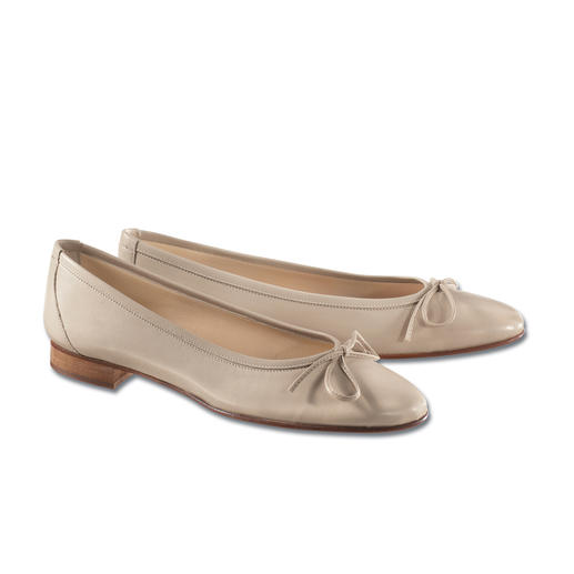 Casanova Ballerina Pumps Sensationally comfortable and chic. Made by Casanova/Italy since 1949.