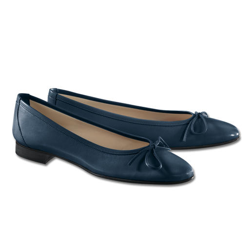 Casanova Ballerina Pumps A particularly elegant way to wear flat shoes. Sensationally comfortable and chic.