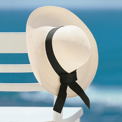Women's Panama Hat With Bow The genuine Panama hat for ladies. The original from Ecuador.