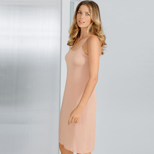 Silk Jersey Slip A comfortable and elastic slip made in pure silk. More attractive, comfortable and airier than synthetics.