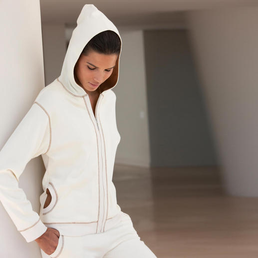 Pima-Cotton Leisure Suit, ecru/cappuccino Cuddly soft, splendidly comfortable – yet still extremely smart.