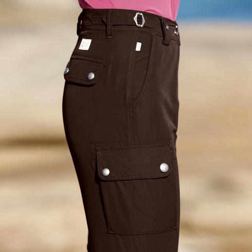 """Aigle """"Sunnytrip"""" 7⁄8 Trousers Functional, versatile outdoor trousers – that are affordable. Fast-drying. Breathable. Super light."""