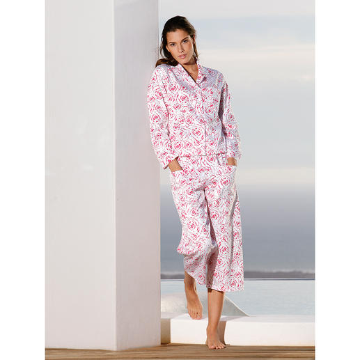 NOVILA Raspberry Rose Pyjama The pyjamas for a first good impression in the morning.