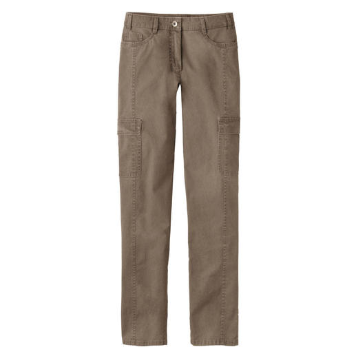 Slim Winter Cargo Slender – despite the practical cargo pockets. Cargos in warm winter cotton.