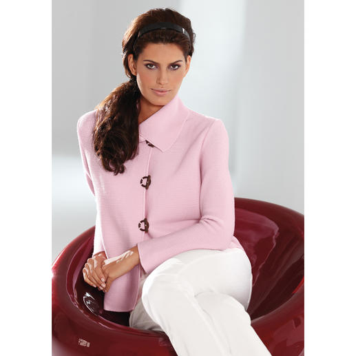 Belle Ile Knitted Jacket As luxurious as a couture jacket. As versatile as a denim jacket. And as comfortable as a cardigan.