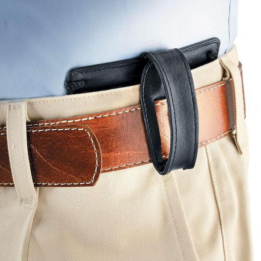 You can also attach this Neck Wallet to your belt. Even if you are only wearing a lightweight summer shirt no one will notice.